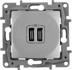 Розетка USB Etika с двумя разъемами тип C/тип C  (алюминий)    672435