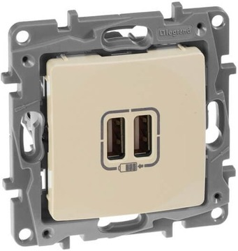 Розетка USB Etika с двумя разъемами тип А/тип А (слоновая кость) 672394