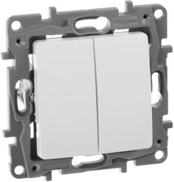 Выключатель-переключатель двухклавишный Etika (белая) 672212