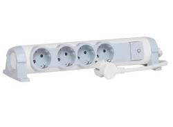 Удлинитель с защитой от перепадов напряжения 4 розетки с кабелем 1,5м 694651