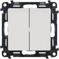 Кнопочный выключатель двухклавишный Valena Life (белый) 752018+755020