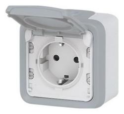 Розетка с заземляющим контактом и крышкой IP55 (цвет серый) 069733